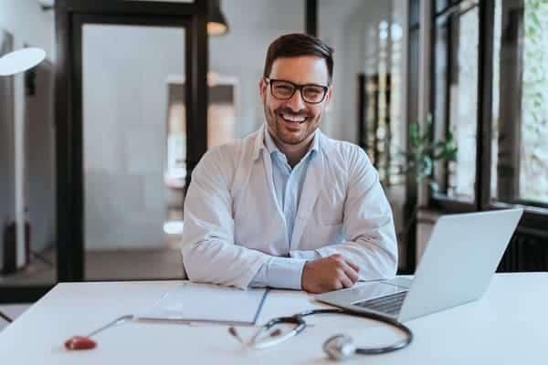 chirurgien esthetique conseils e reputation avis en ligne patient google doconnect